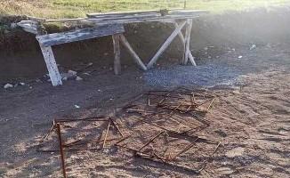 İnşaattan çaldığı demirleri hurdacıya satarken yakalandı