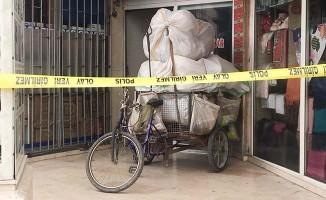 Kağıt toplayıcısı, iş hanında ölü bulundu