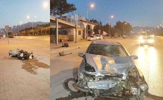 Motosiklet otomobille kafa kafaya çarpıştı: 1 ölü, 1 yaralı