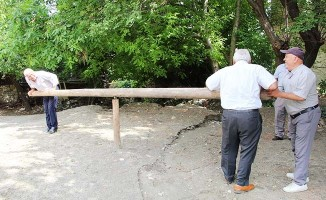 50 yıl sonra kurulan 'cıngırdak' ile kaybolan bir eğlence kültürünü yaşatıyorlar