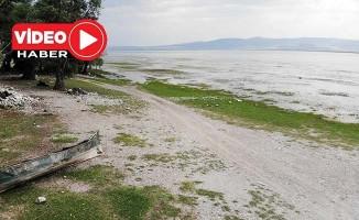 Bölgenin su deposu Işıklı Gölü'nde su seviyesi yüzde 50 azaldı