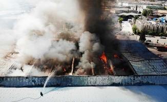 Fabrika yangını 6. saatinde halen devam ediyor