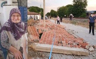 Fırtınanın yıktığı duvarın altında kalan 78 yaşındaki kadın hayatını kaybetti