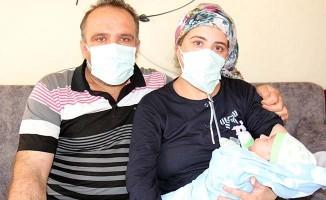 Hamileyken koronaya yakalandı, bebeğine 1 ay sonra sevinç gözyaşlarıyla kavuştu