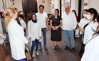 AK Partili kadınlar Buldan'a hayran kaldı