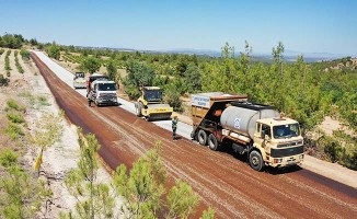 Çal'da 12 kilometrelik toprak yol asfaltlandı