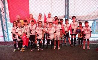 Merkezefendi'de 30 Ağustos Zafer Kupası Futbol Turnuvası sona erdi