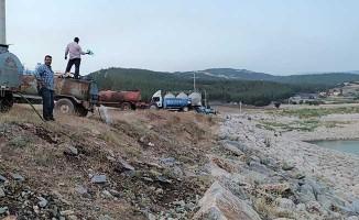 Tankerlerle sulama göledini doldurdular