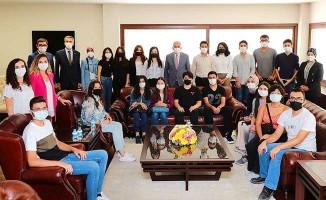 Başkan Zolan, çiçeği burnunda üniversitelilere bir araya geldi