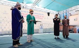 Denizli'de yılın en renkli festivali başladı