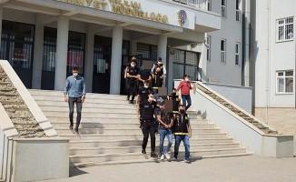 Denizli'nin de aralarında bulunduğu 17 ilde düzenlenen 'Change Oto' operasyonunun şüphelileri adliyeye sevk edildi