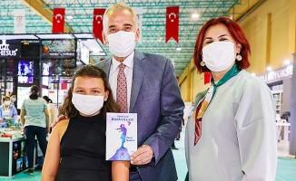 """Başkan Zolan'dan anne-babalara çağrı: """"Çocuklarımızı mutlaka kitapla tanıştıralım"""""""