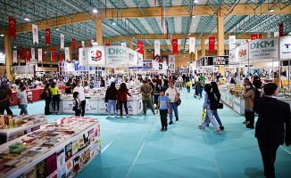 Büyükşehir Kitap Fuarı 6 günde 180 binin üzerinde kitap severi ağırladı