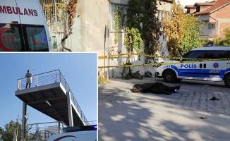 Üst geçitten düşen adam hayatını kaybetti