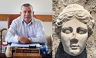 """Prof. Dr. Şimşek: 2019 kazılarında 171 eseri gün yüzüne çıkardık"""""""