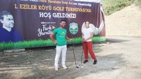 Köyde düzenlenen turnuvada 7'den 70'e herkes golf oynadı
